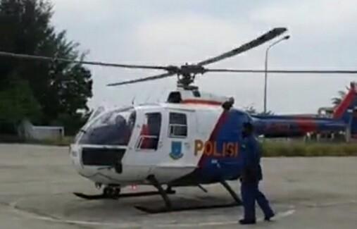 Helikopter Polairud Polda Aceh yang melakukan patroli udara. FOTO h7 - antoedy -