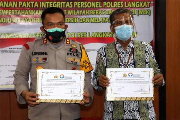 Polres Langkat Tandatangani Pakta Integritas