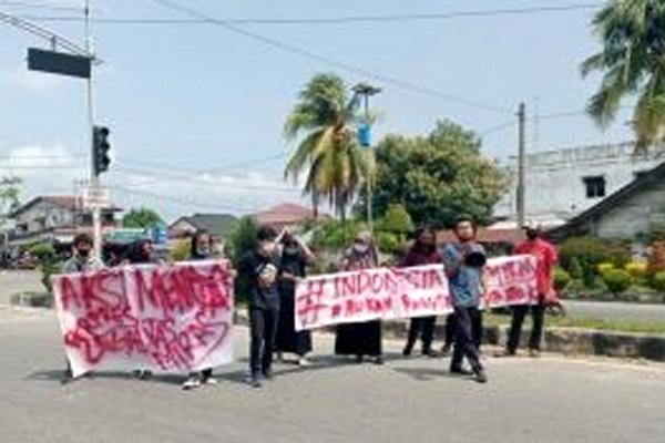 Polisi Bubarkan Unjukrasa Anti Miras Mahasiswa Langsa