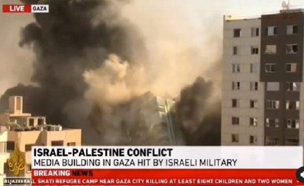 Israel Makin Brutal, Kantor Media di Bombardir, Al Jazeera dan AP Rata dengan Tanah